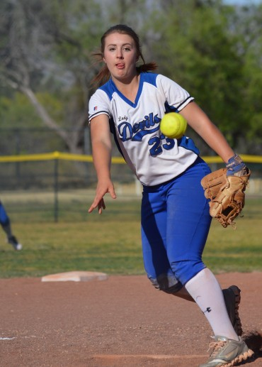 SOFTBALL: Elfrida Valley Union holds on to defeat Academy of Tucson 9-6