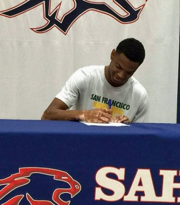 Nate Renfro signs with San Francisco