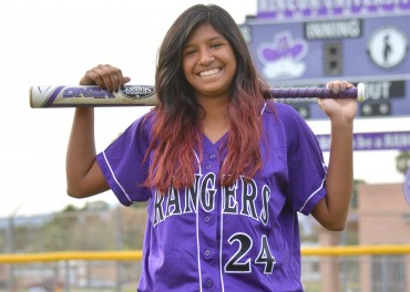 Rincon softball standout Melissa Mange gives verbal to UTEP
