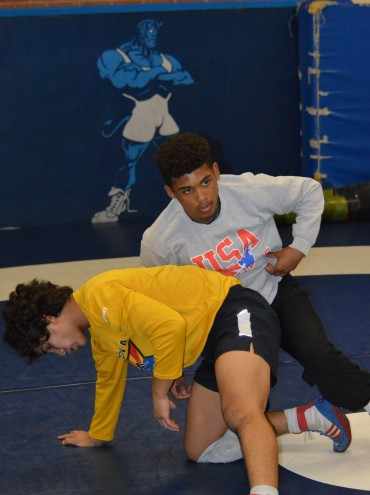 "Sunnyside wrestler Roman Bravo-Young preparing for FloRankings ""Who's No. 1"" challenge"