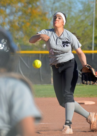 Mountain View pitcher Alyssa Lovato commits to Eastern New Mexico
