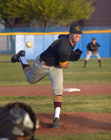 BASEBALL: Salpointe beat Sunnyside 6-5 to stay on top of D-II