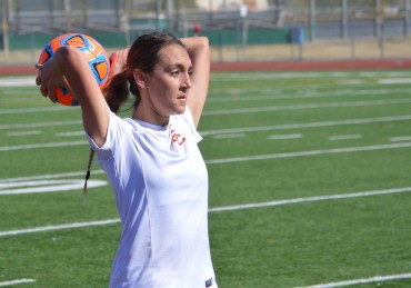 Salpointe soccer standout Reilly Marks fulfills Grandpa's wish, will play in college